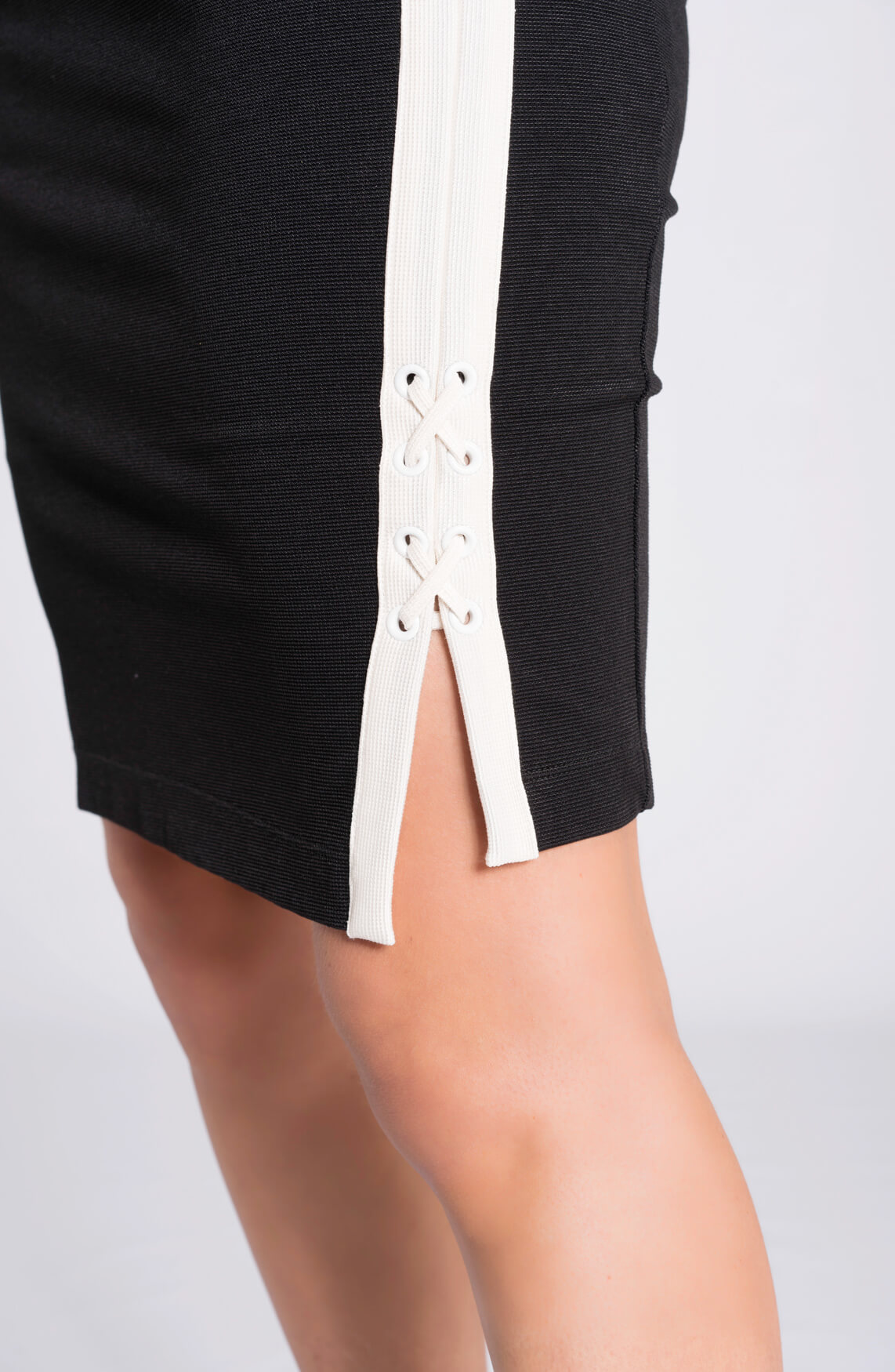 Anna Dames Rok met lace-up detail