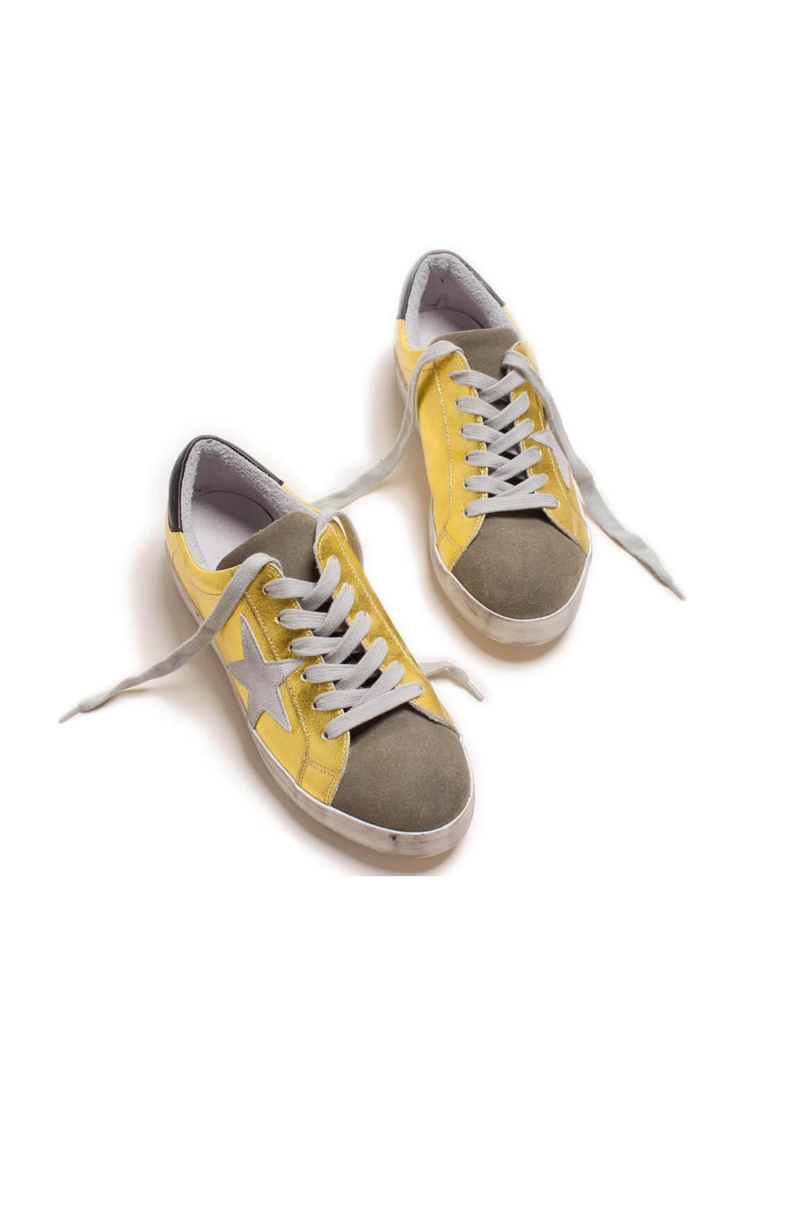Clou Dames Metallic sneaker met ster geel