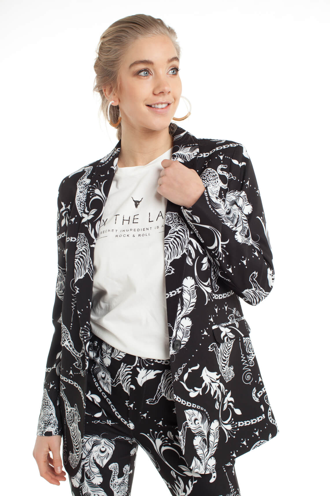 Alix The Label Dames Blazer met animalprint zwart