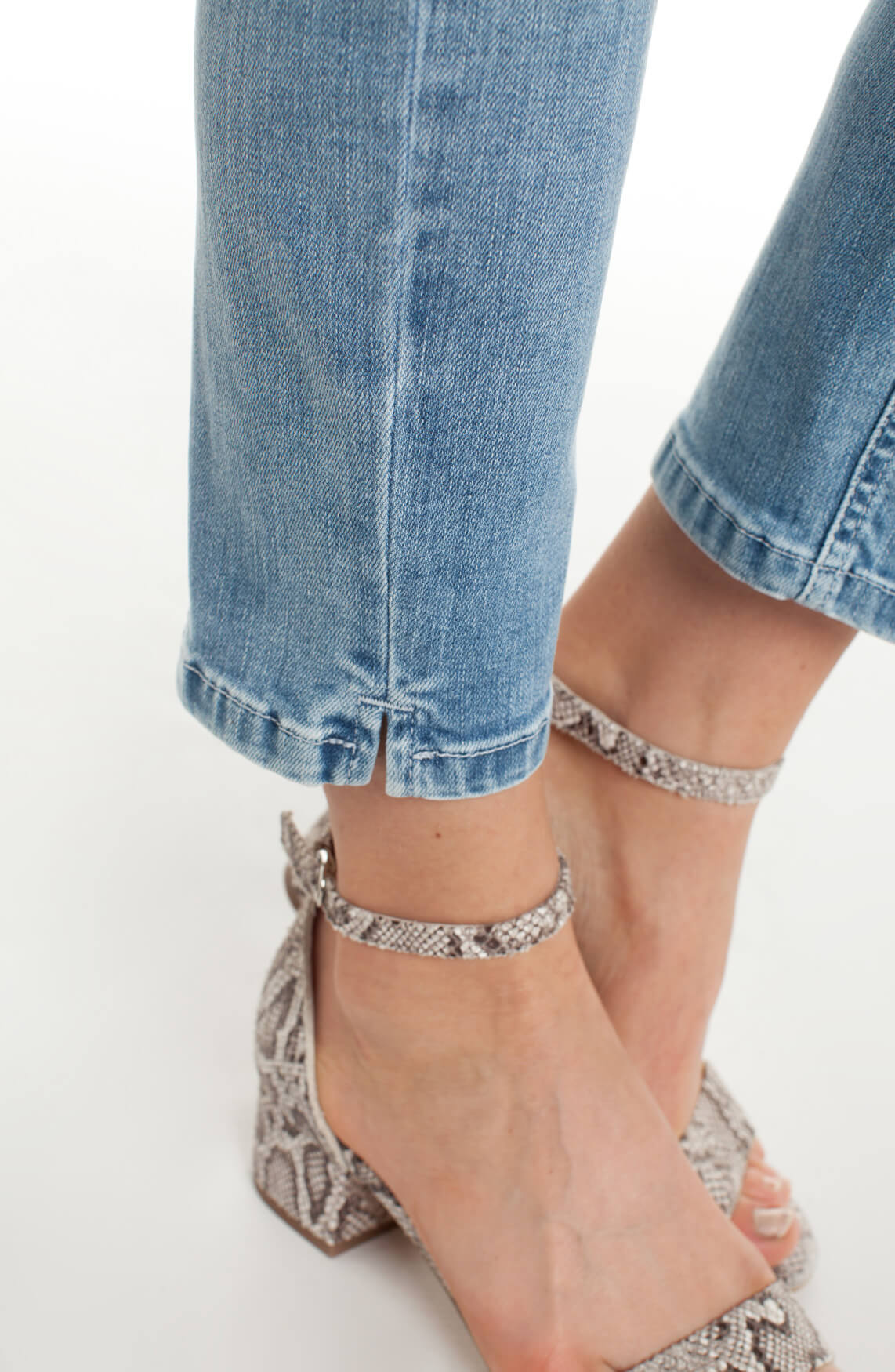 Cambio Dames Piper jeans met studs detail Blauw