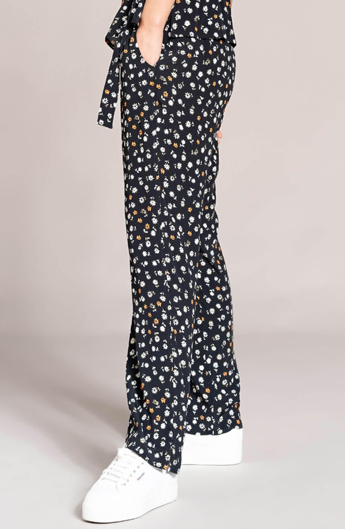 Anna Dames Broek met bloemenprint zwart