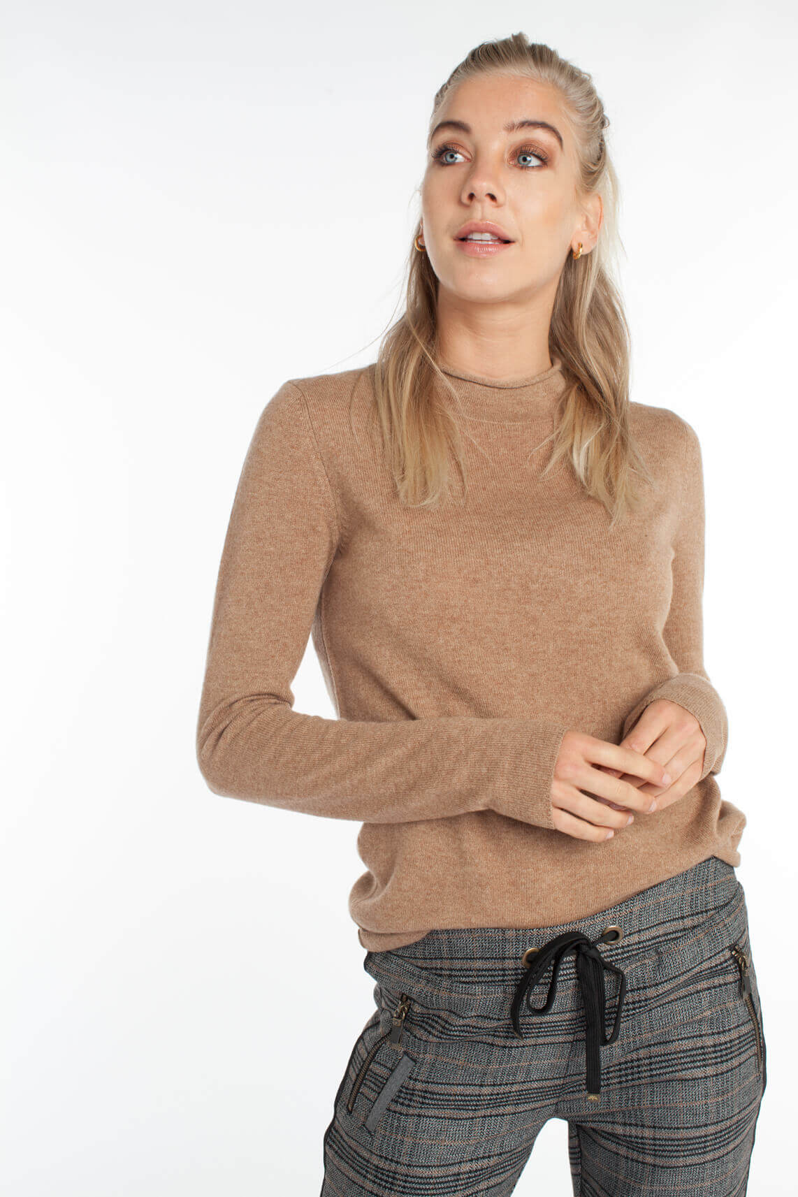 Anna Dames Cashmere pullover met col Bruin