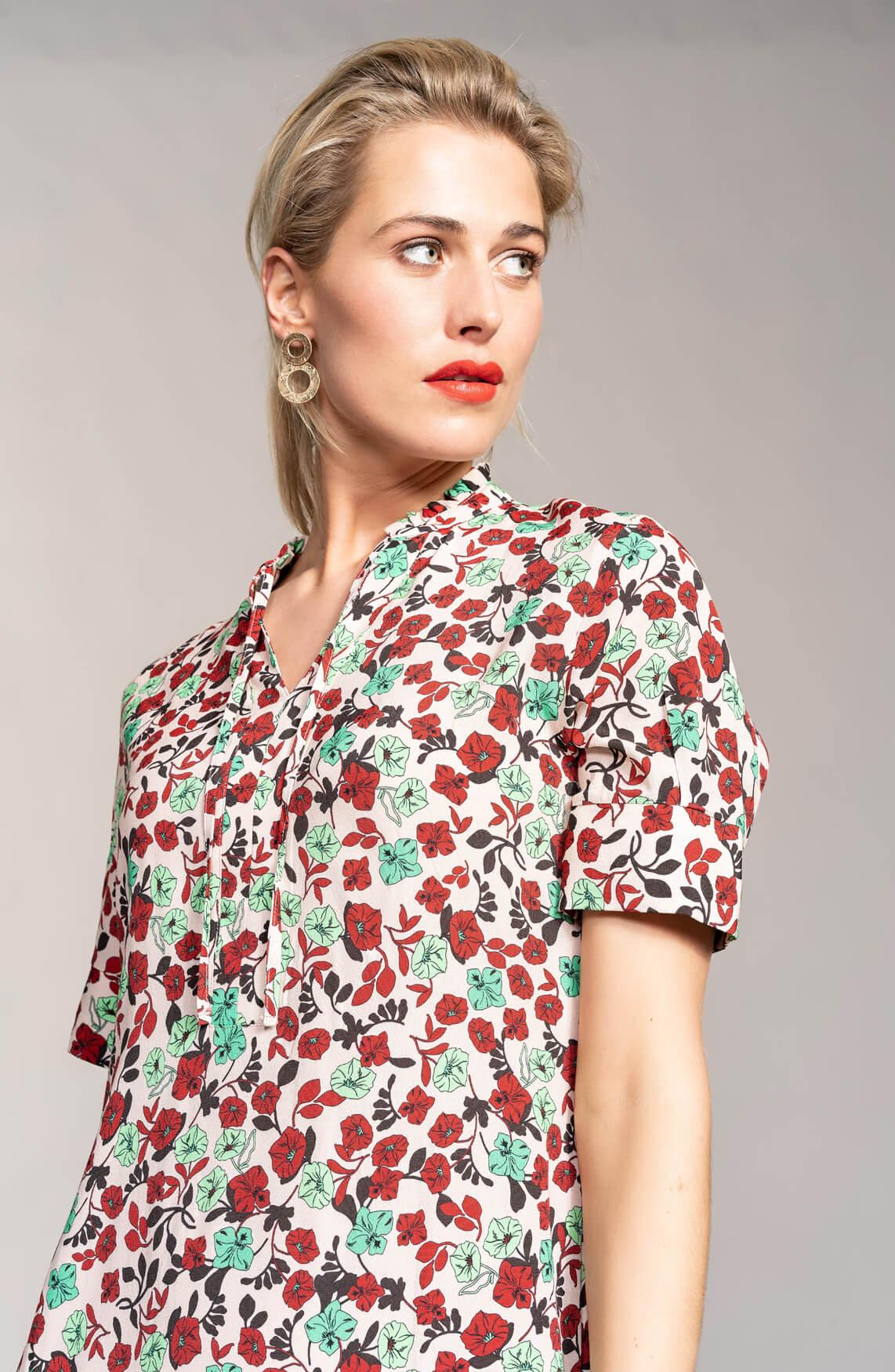 Anna Dames Gebloemde jurk met volants roze