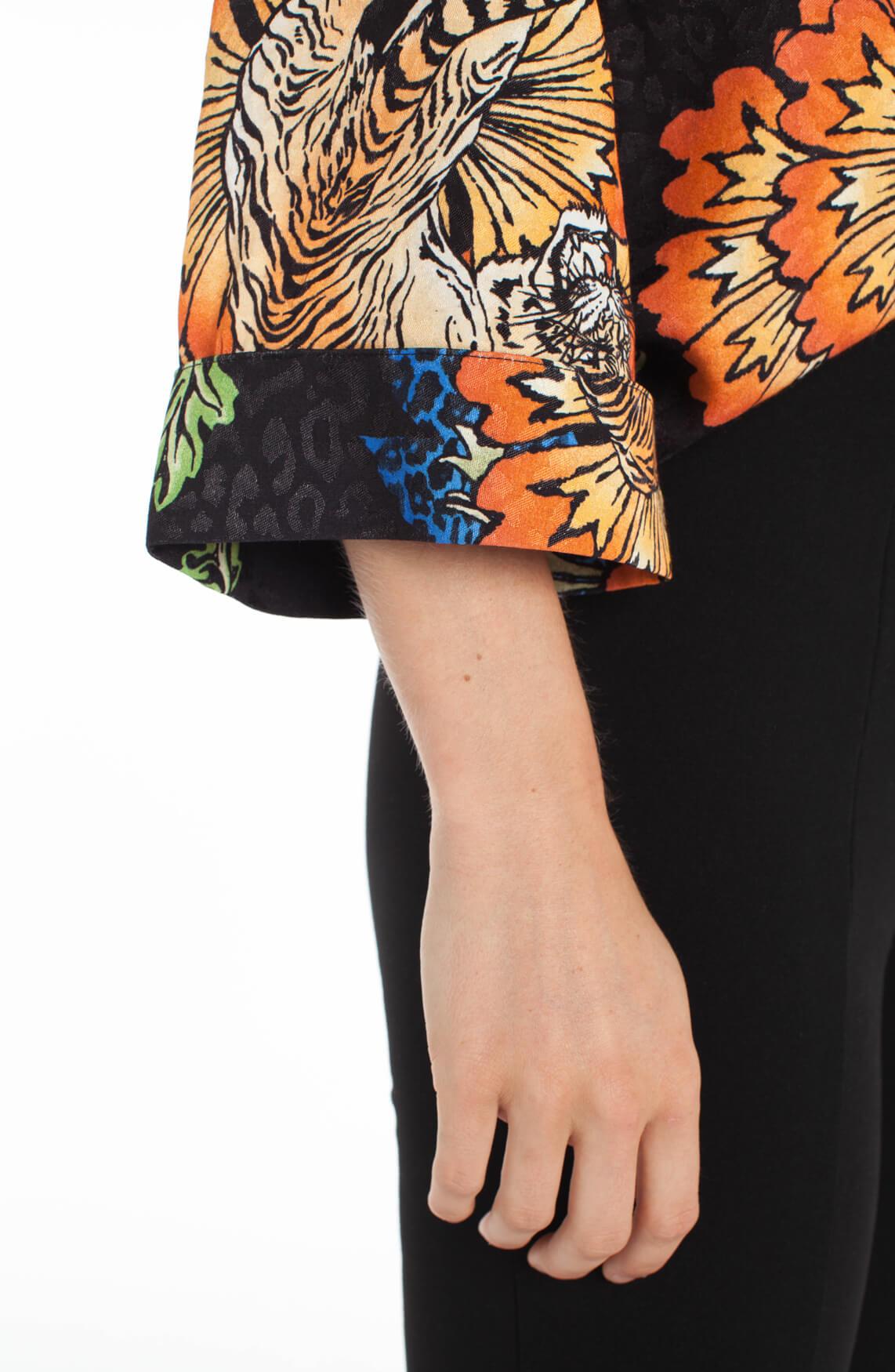 Alix The Label Dames Blouse met animalprint zwart