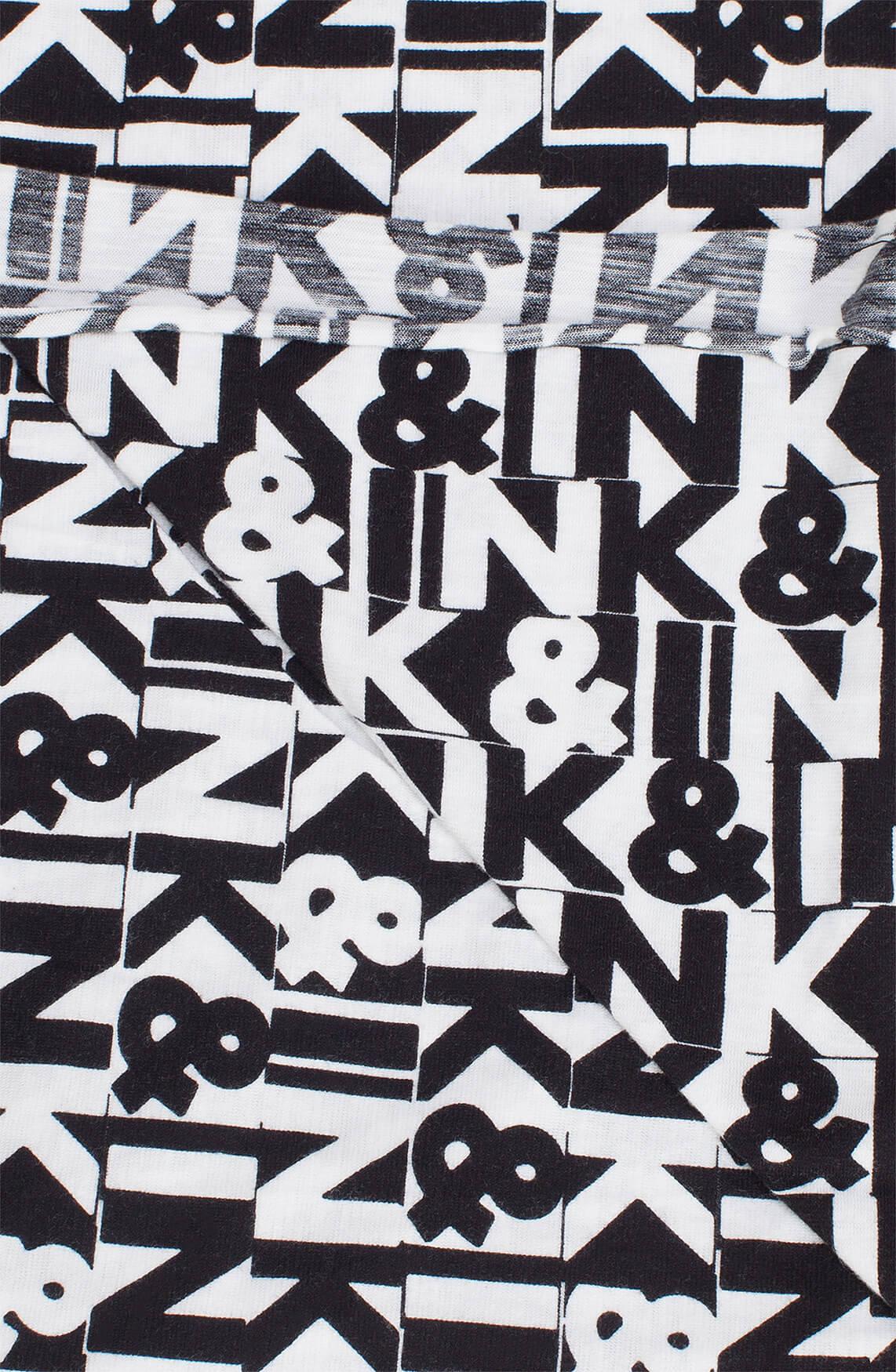 Penn & Ink Dames Shawl met letterprint zwart