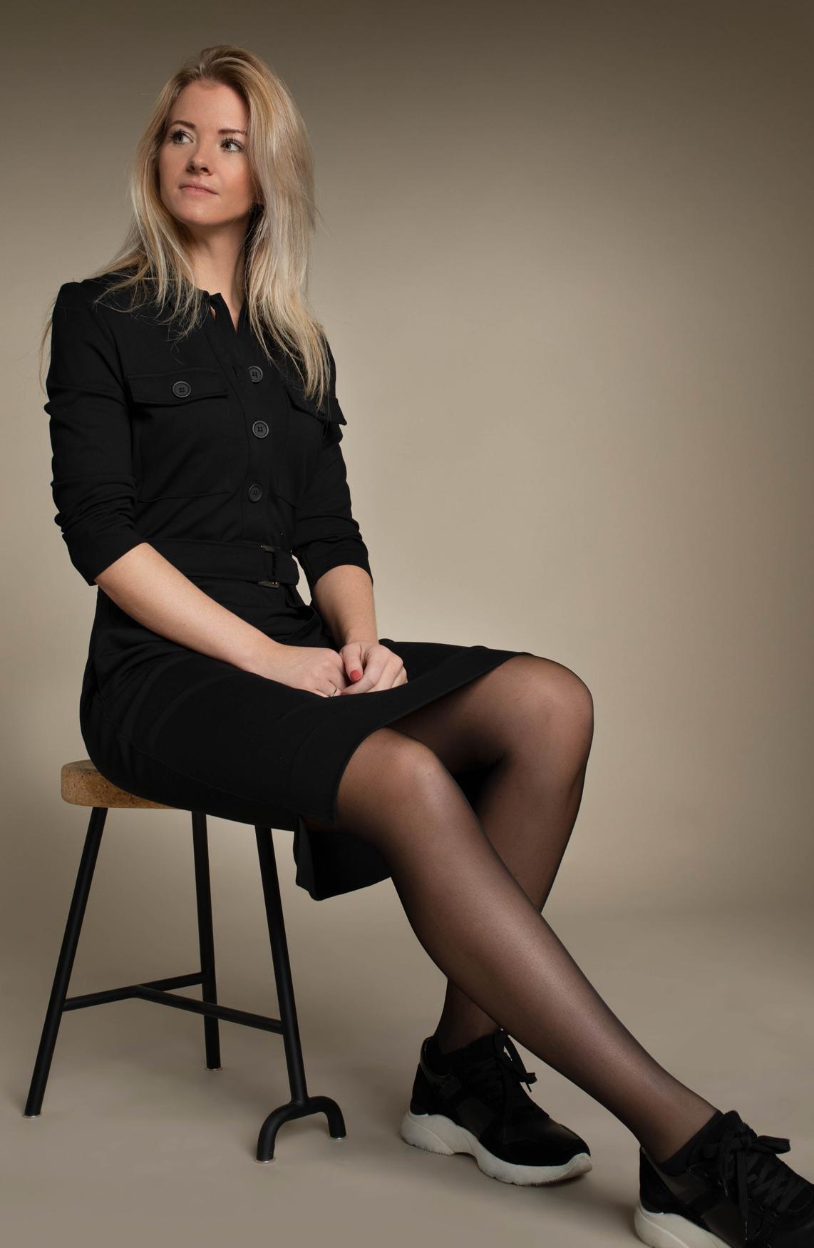 Anna Dames Jurk met ceintuur zwart