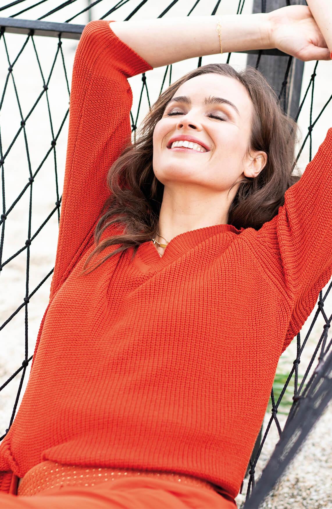 Anna Dames Gebreide pullover met V-hals Rood