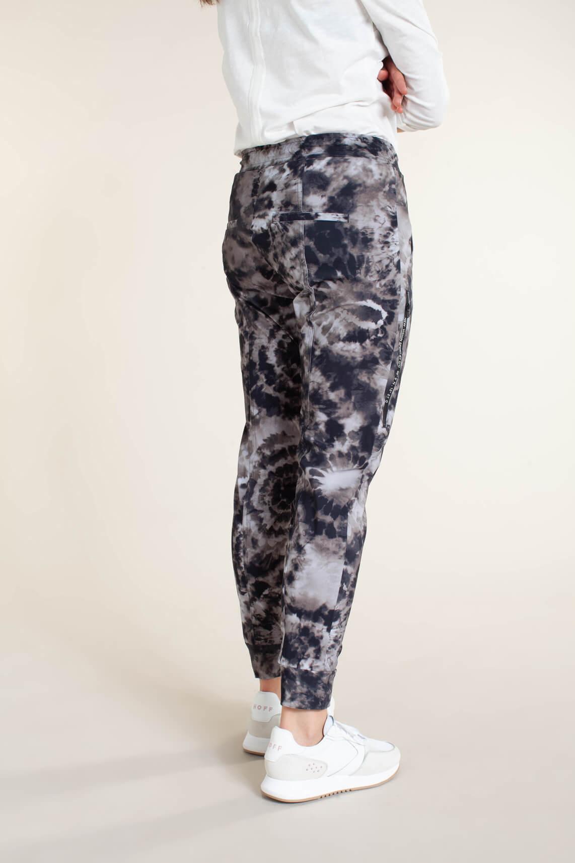 Cambio Dames Jorden tie dye jogger zwart