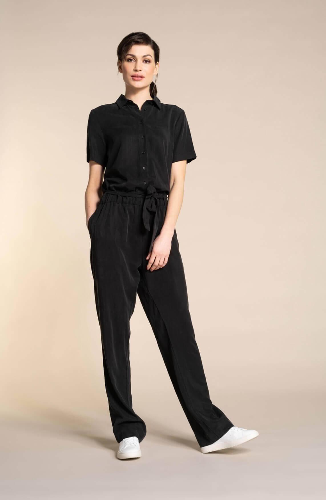 Anna Dames Tencel jumpsuit zwart