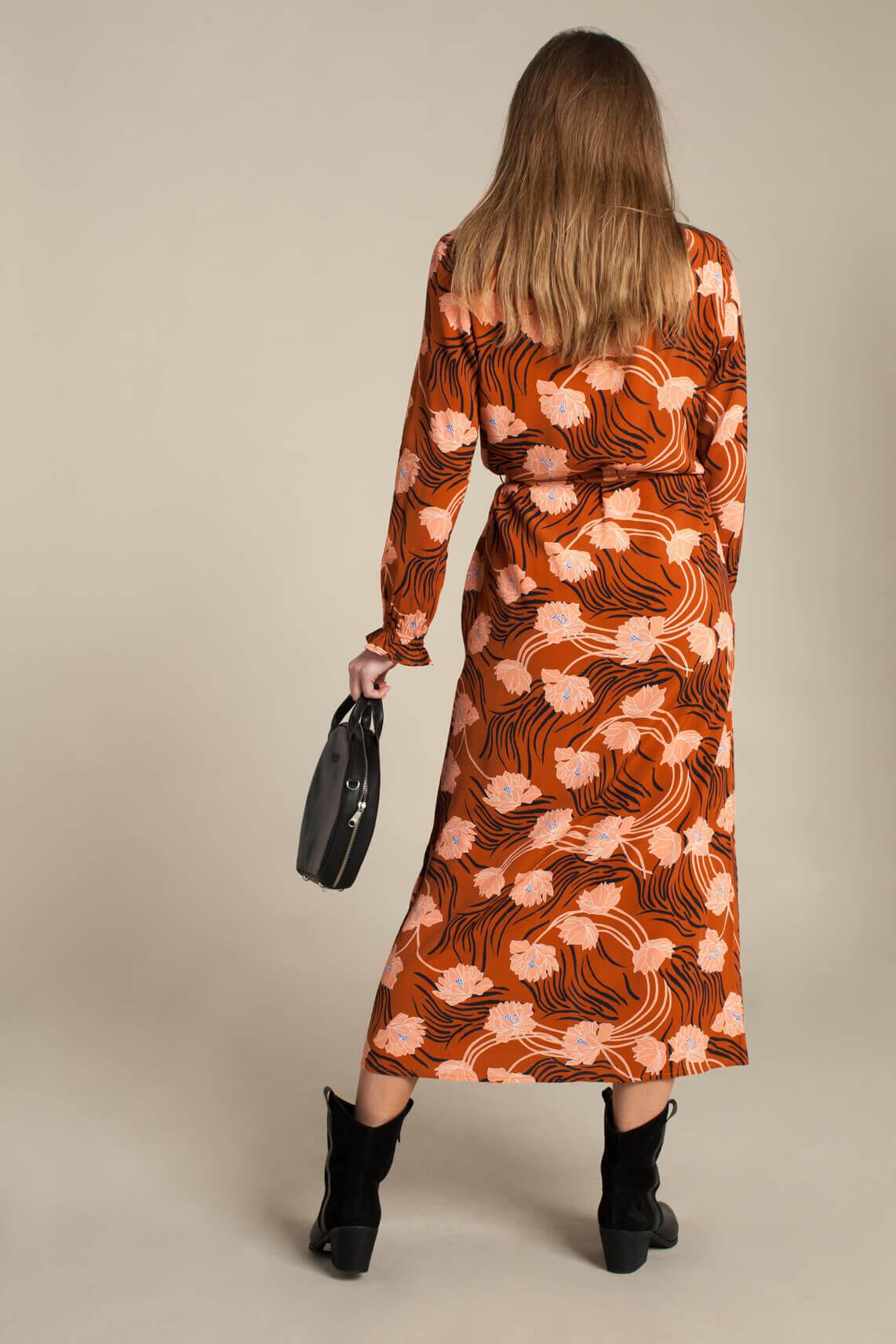 Anna Dames Lange jurk met bloemenprint Bruin