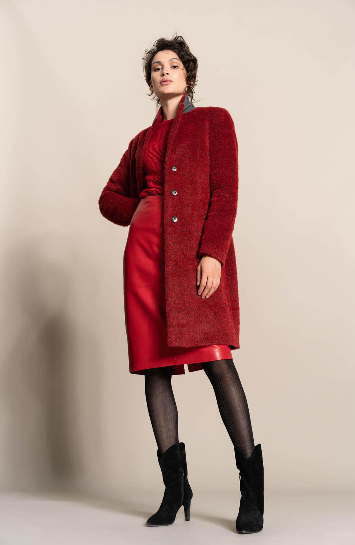 Dames Striking Red