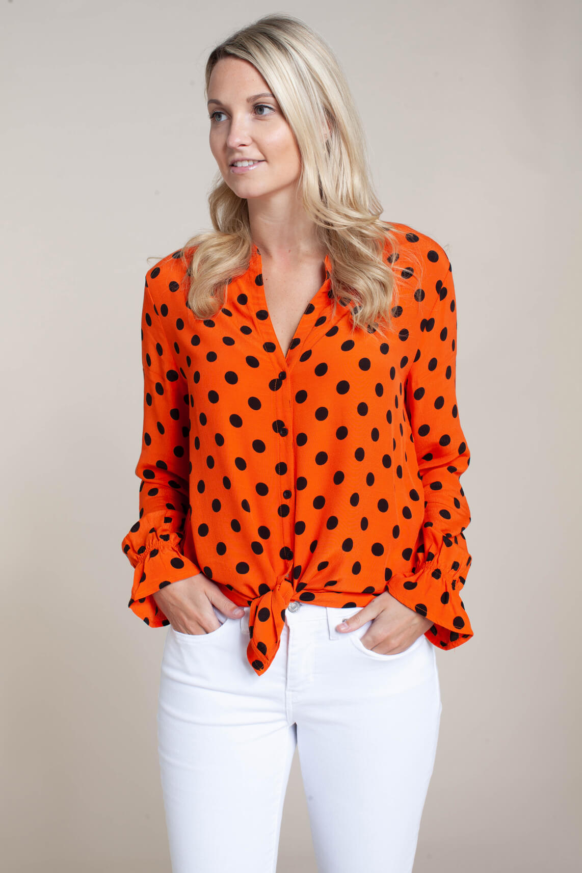 Anna Dames Blouse met stippen Oranje