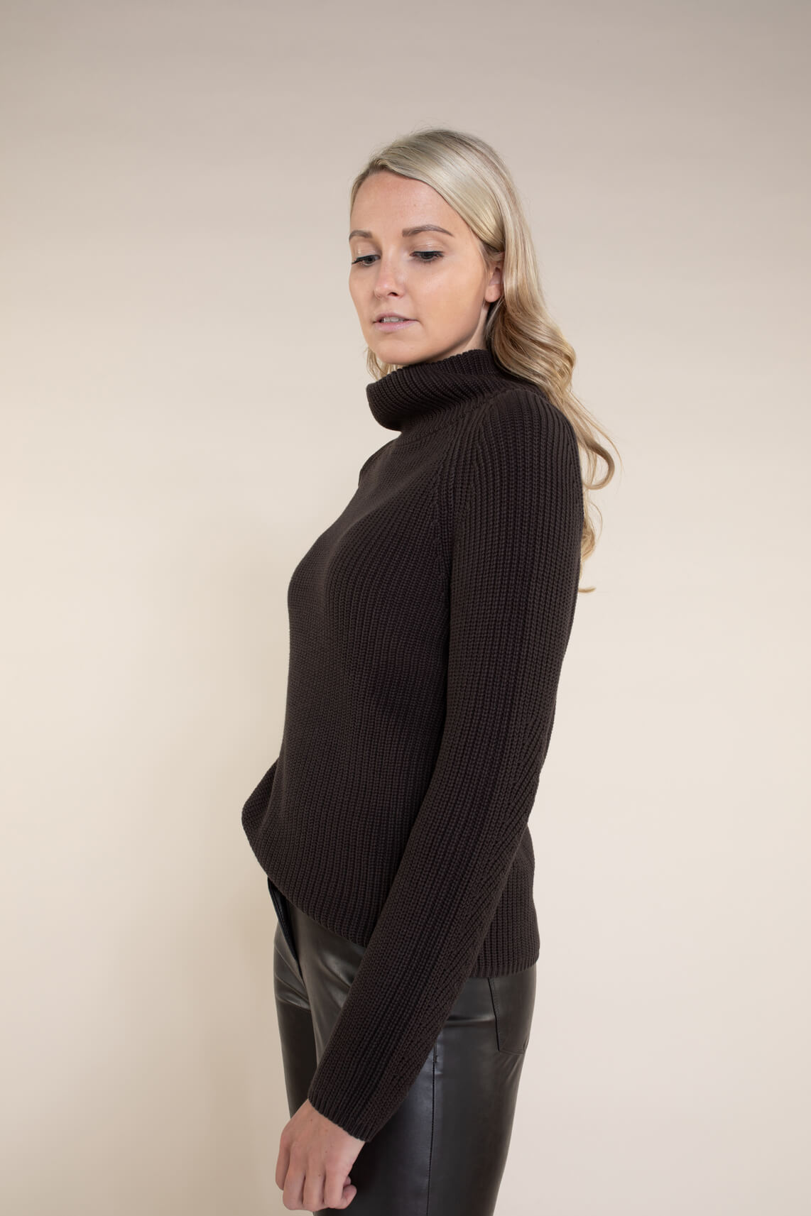 Anna Dames Gebreide pullover met colkraag Bruin