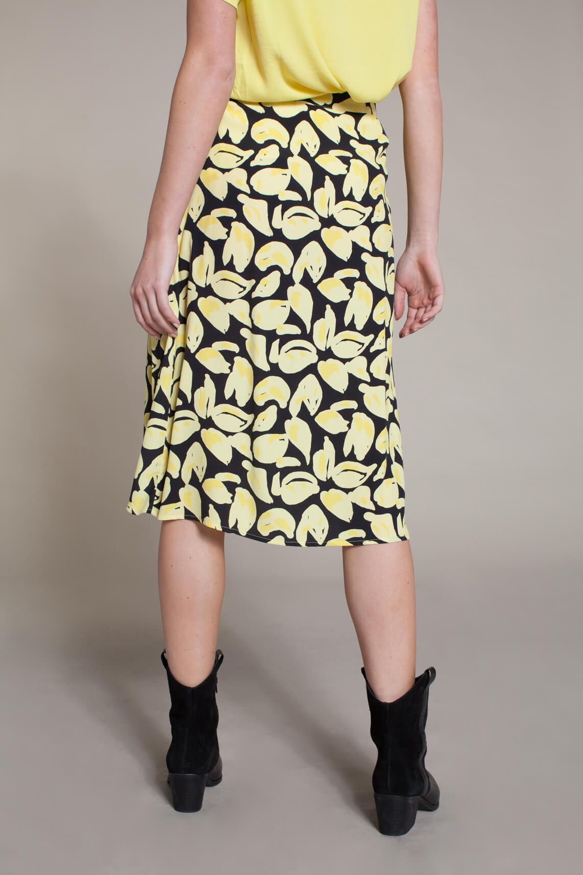 Anna Dames Overslagrok geel