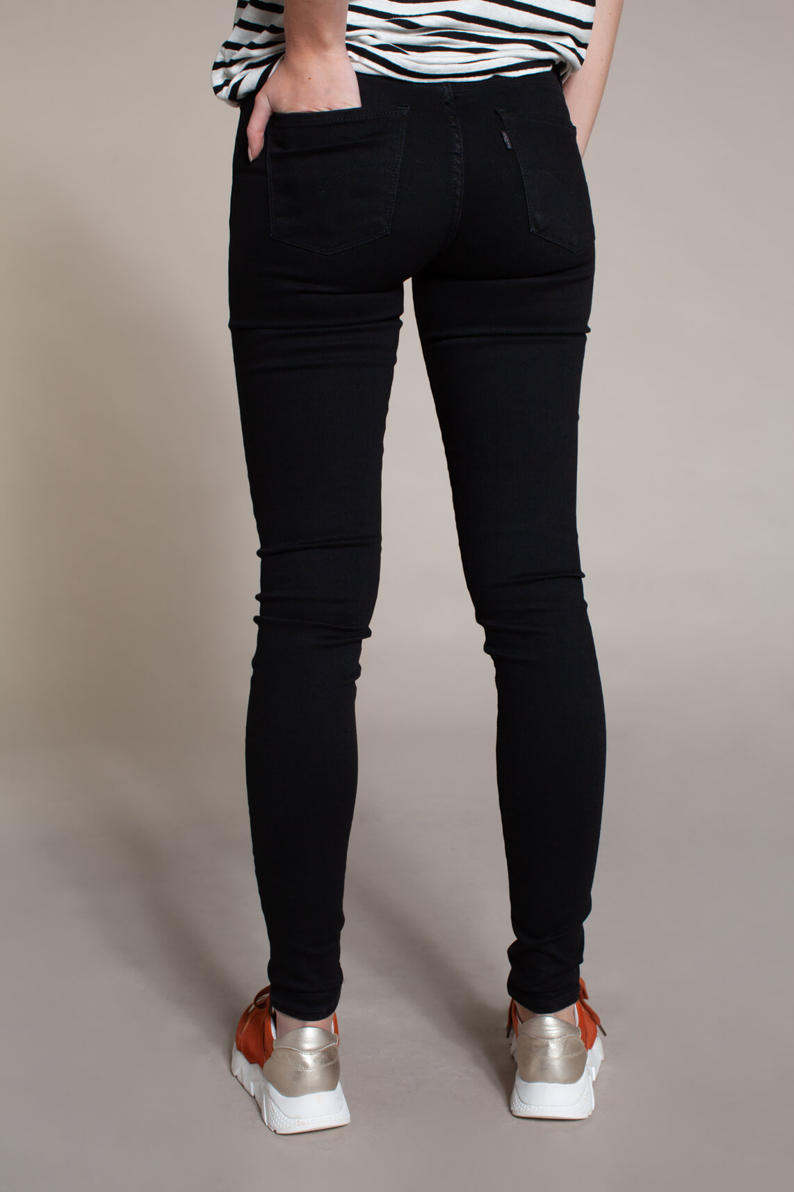 Levi's Dames 311 L30 shaping skinny jeans Zwart