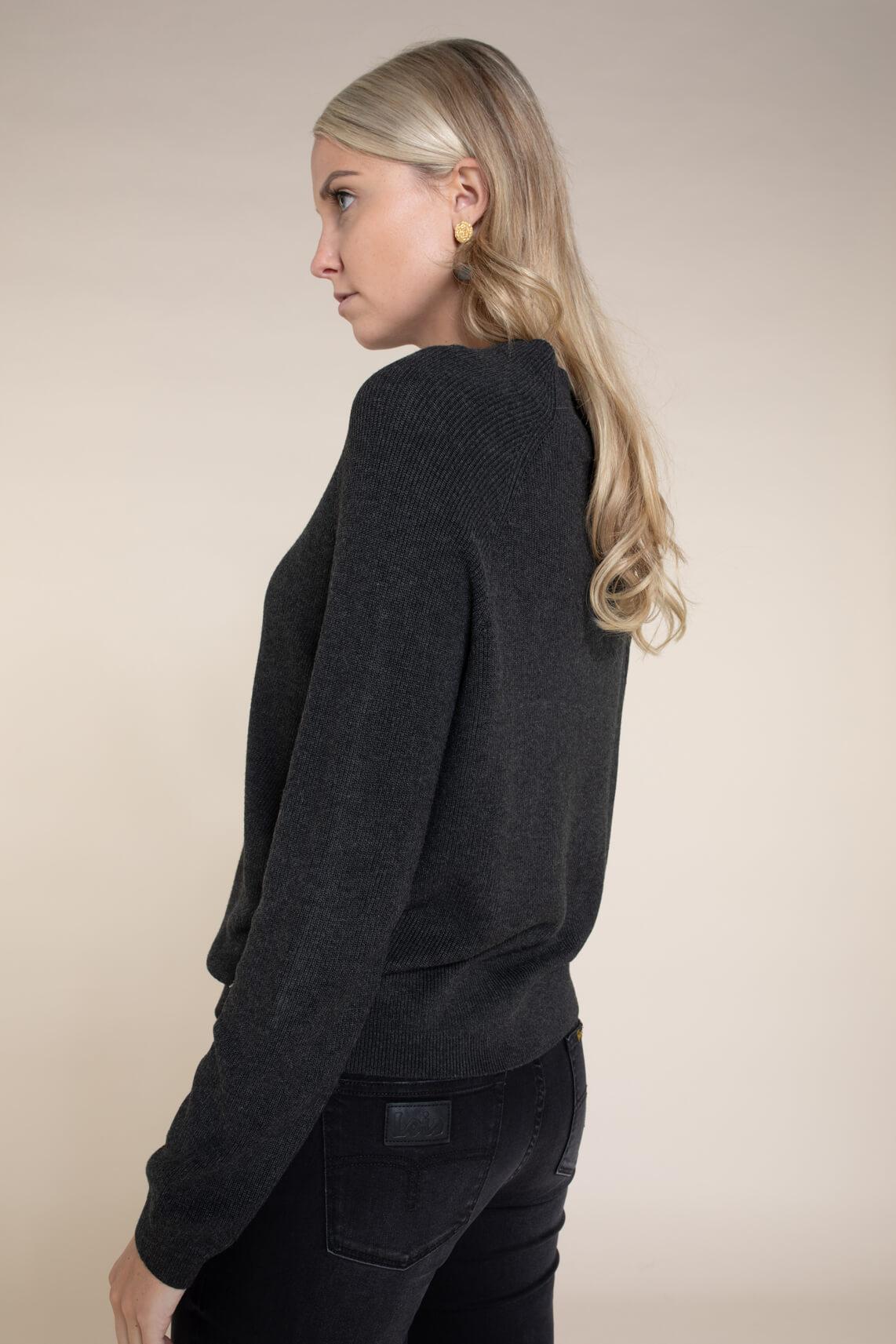 Anna Dames Pullover met hoge kraag zwart