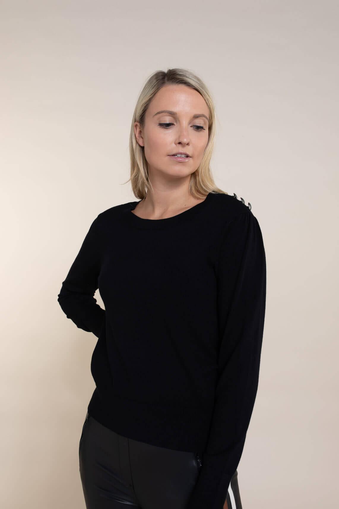 Anna Dames Pullover met sierknopen zwart