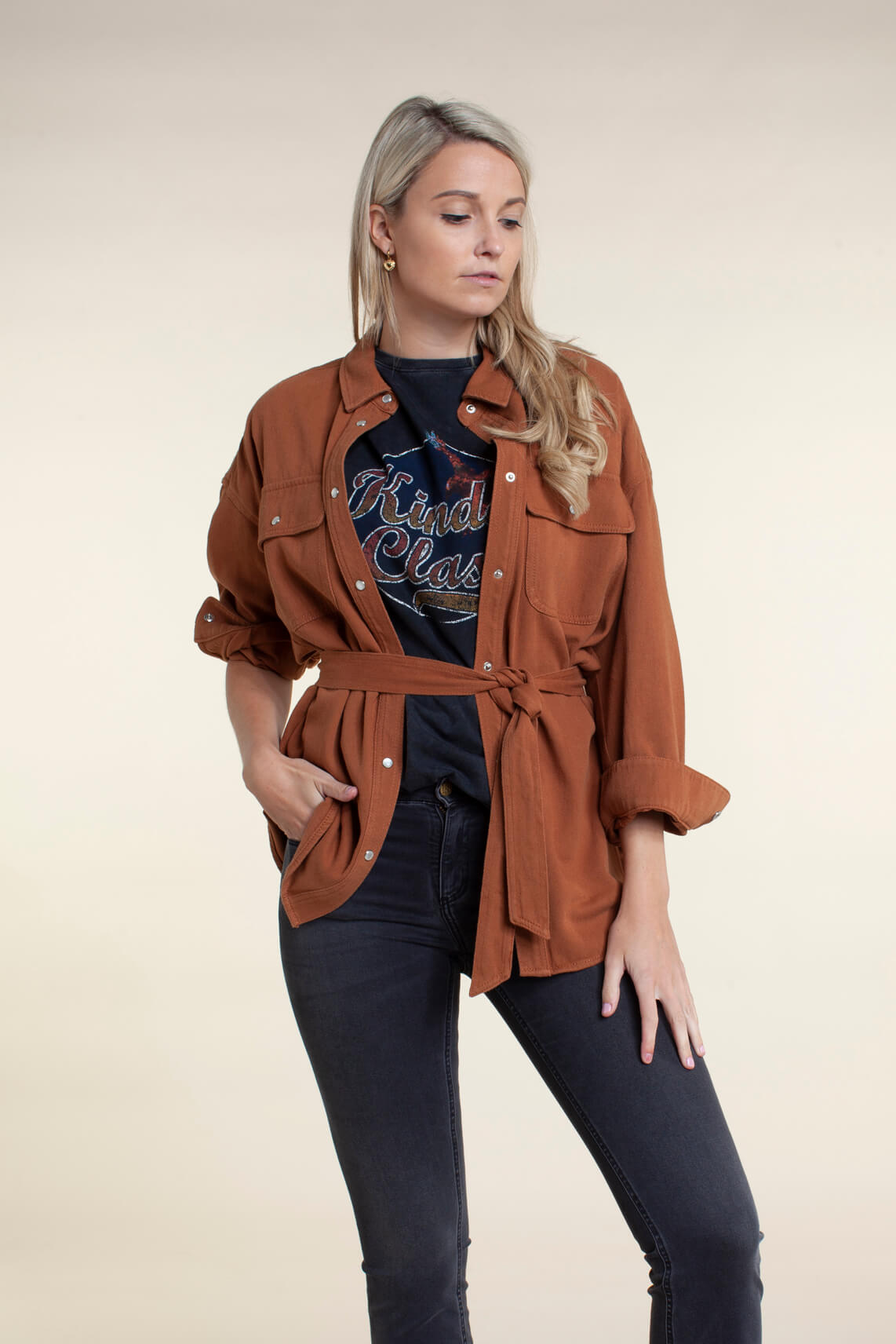 Alix The Label Dames Washed shirt zwart