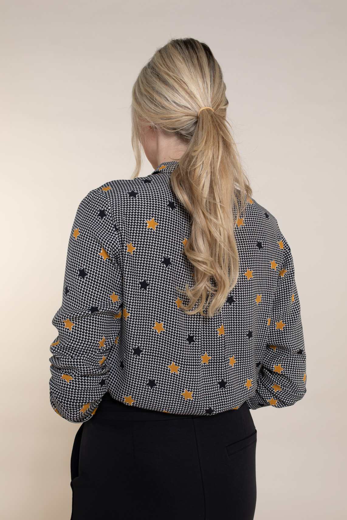 Anna Blue Dames Blouse met sterrenprint zwart