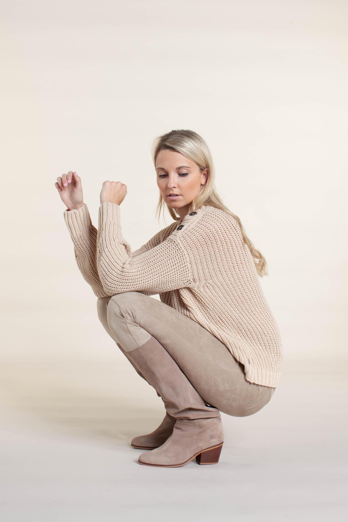 Anna Dames Pullover met knopen Bruin