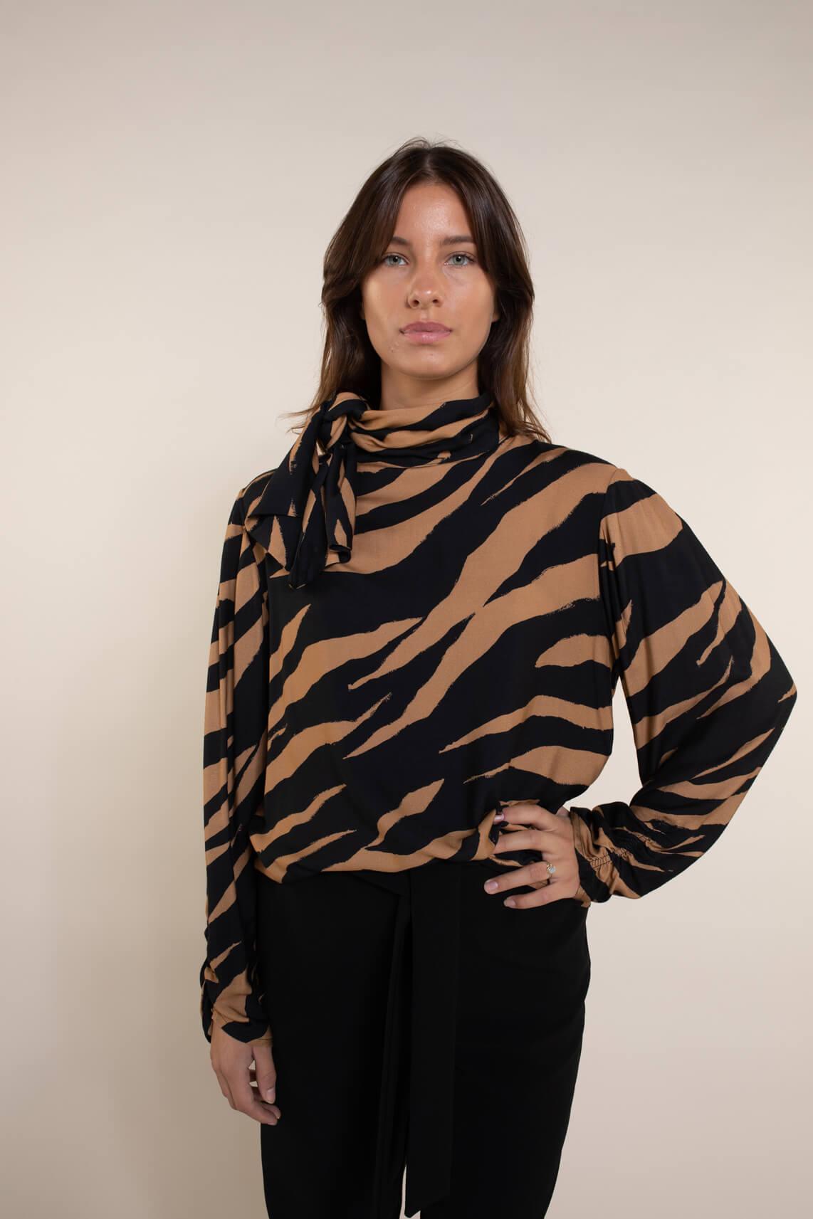 Kocca Dames Cimare blouse Bruin