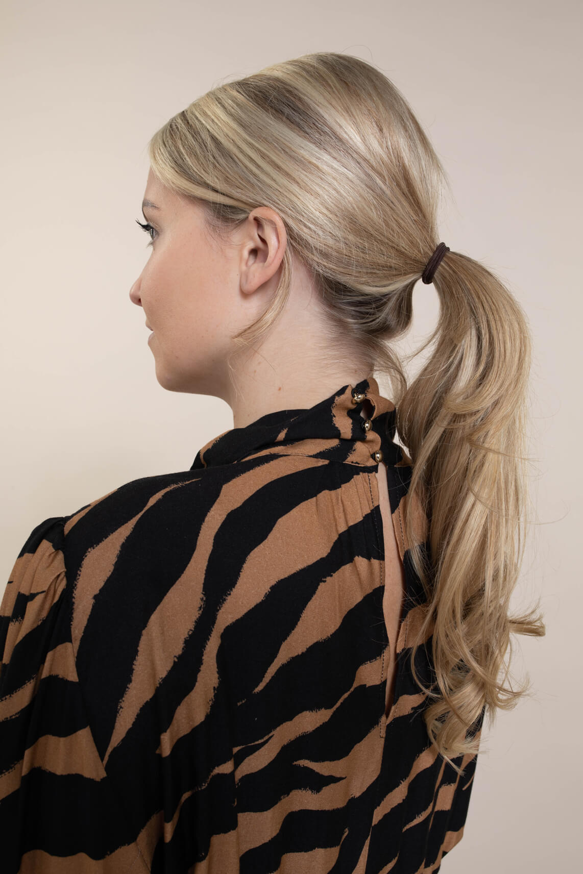 Kocca Dames Zimmy jurk Bruin