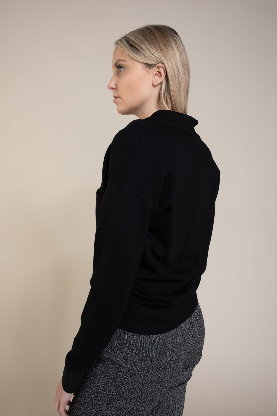 Anna Dames Shirt met hoge kraag zwart