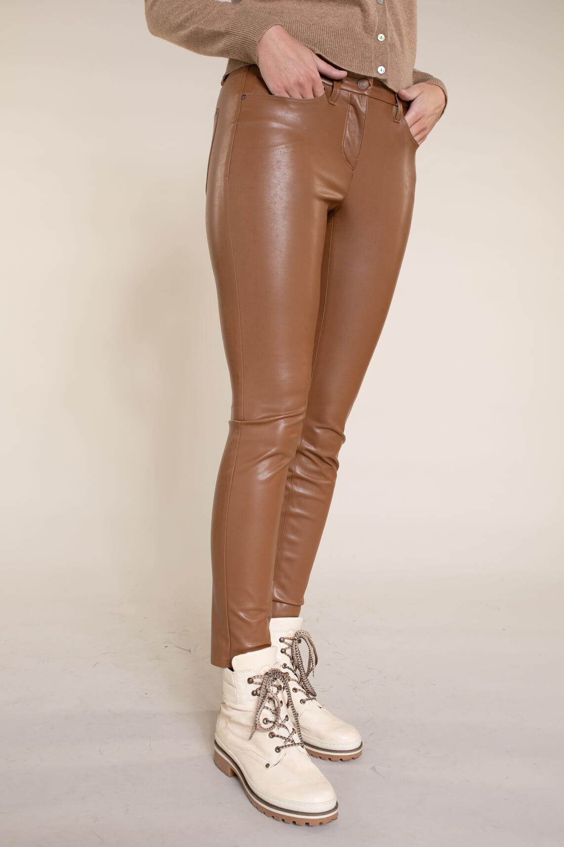 Cambio Dames Ray fake leather broek Bruin