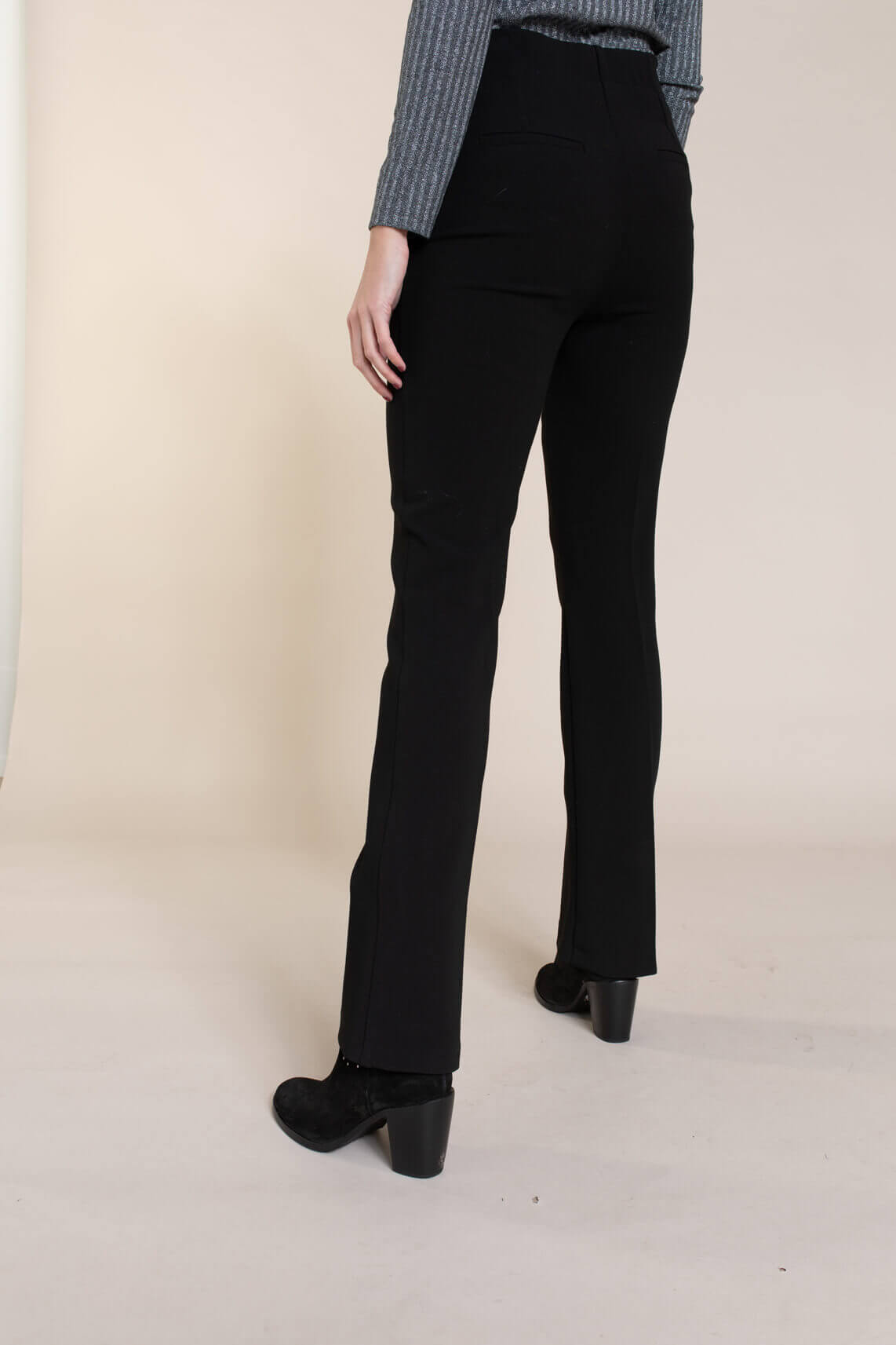 Anna Dames Pantalon met knopen zwart