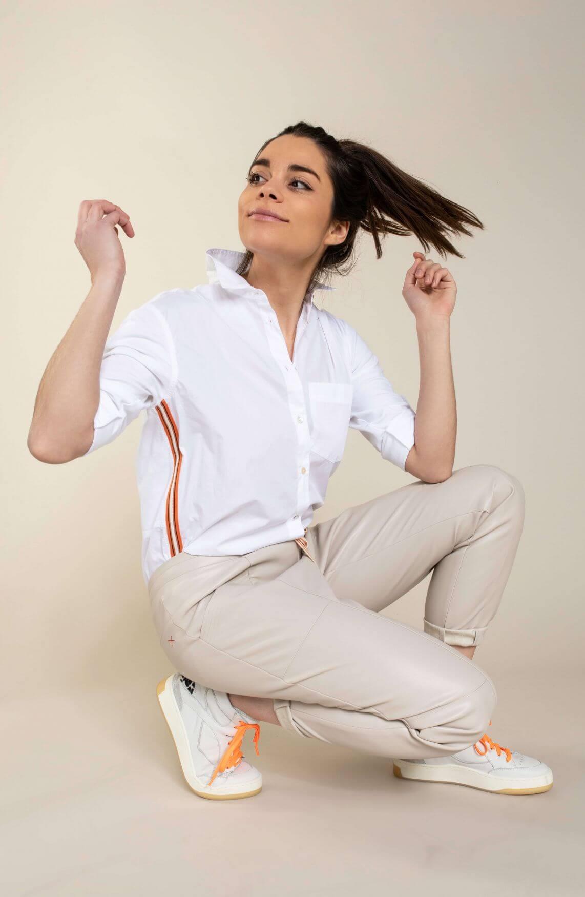 Anna Blue Dames Imitatieleren jogger Ecru