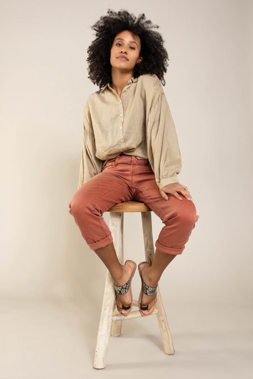 Anna Dames Garment dye jeans Rood