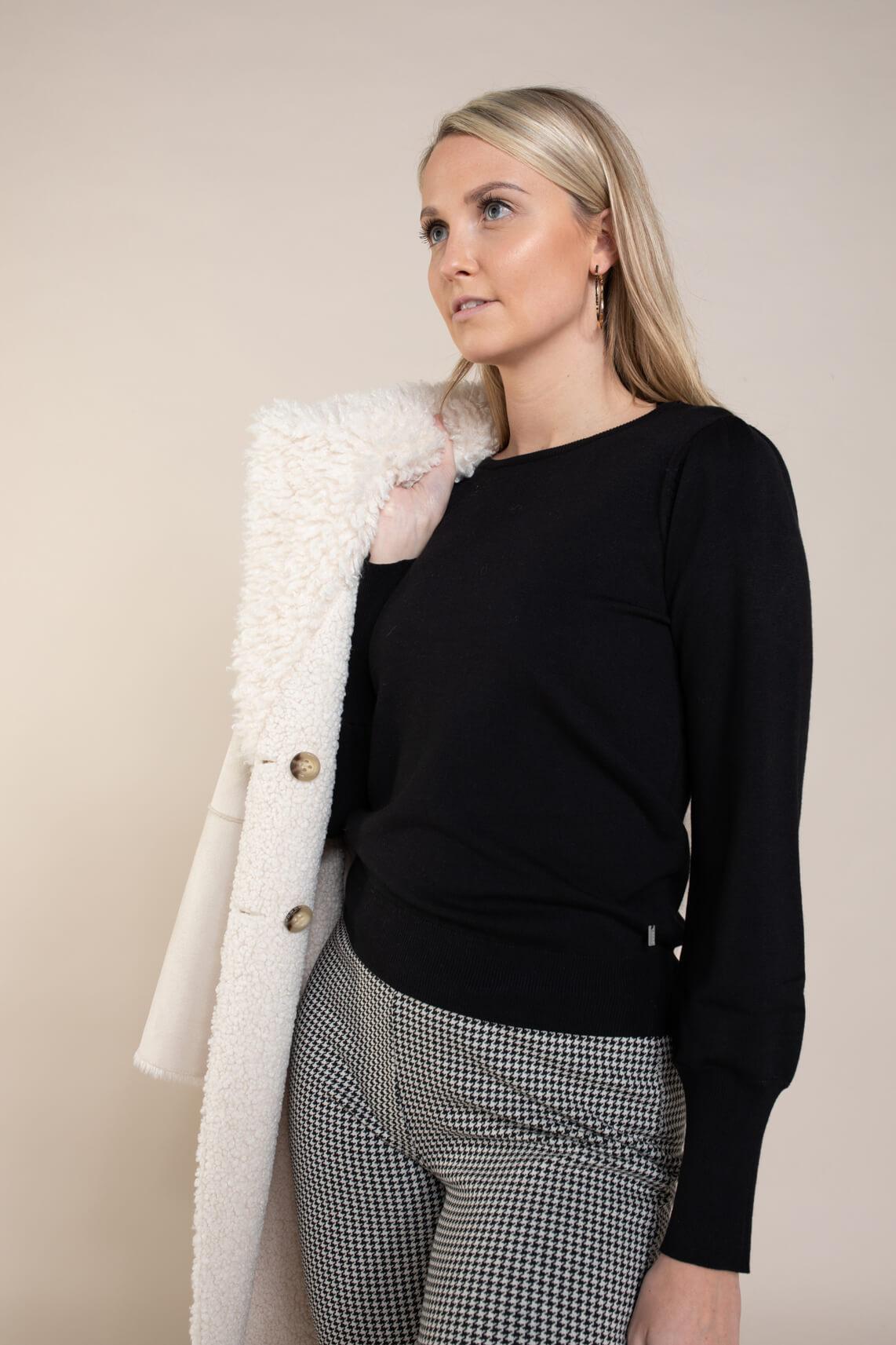 Anna Dames Pullover met pofmouw zwart
