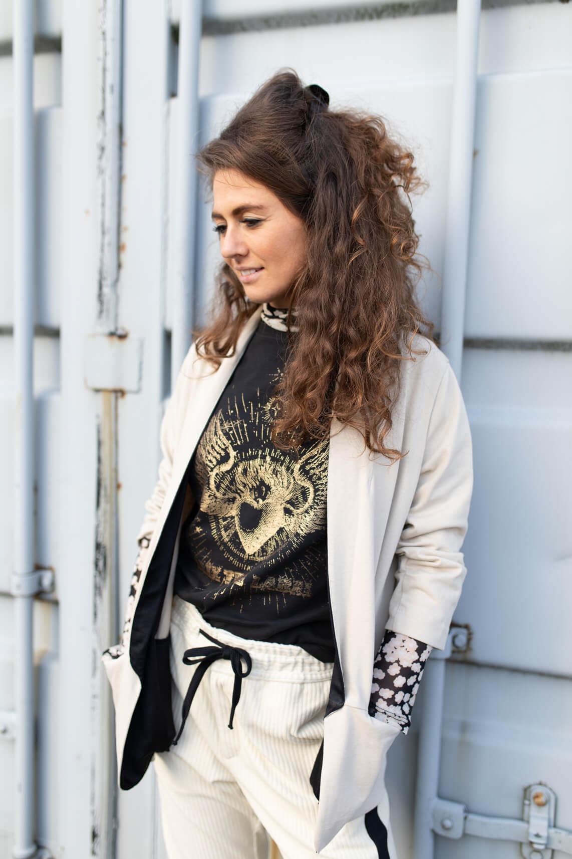 Alix The Label Dames Artwork shirt zwart