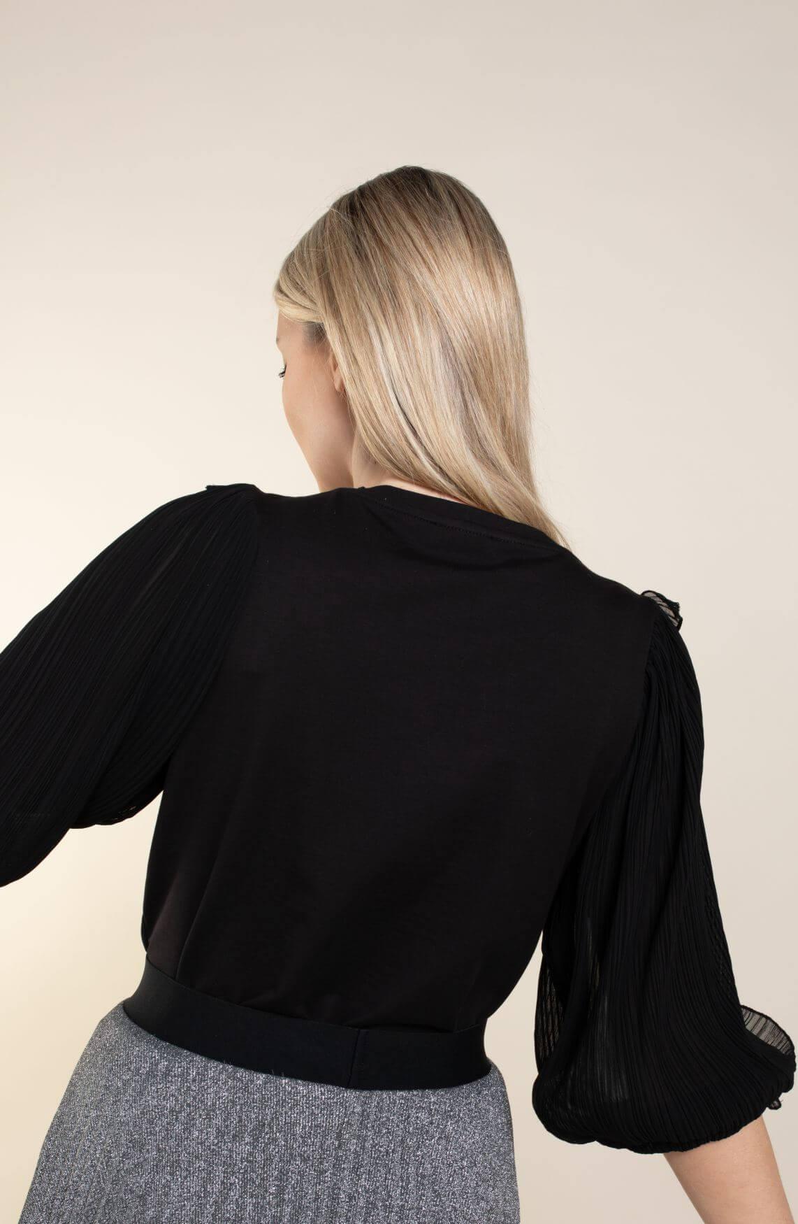 Anna Dames Sweater met geplooide mouw zwart