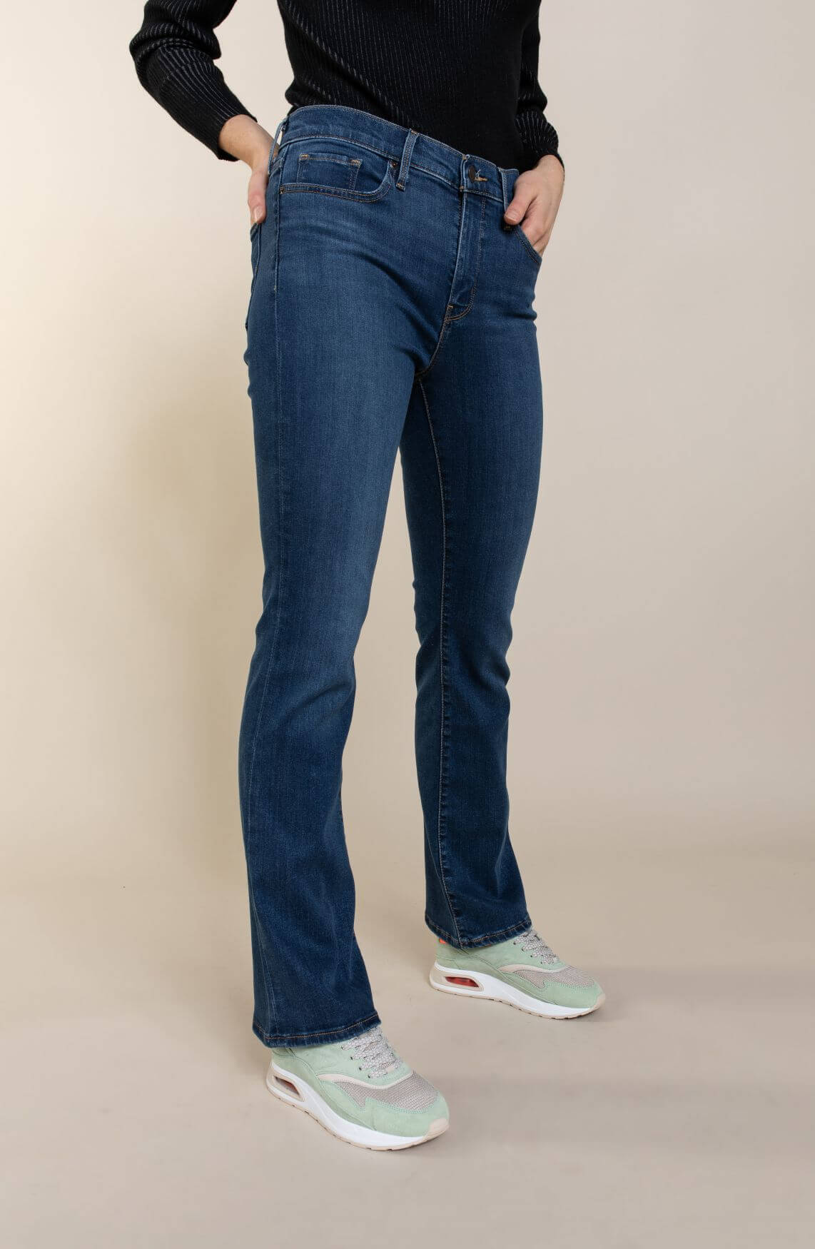 Levi's Dames 315 L32 shaping bootcut jeans Blauw