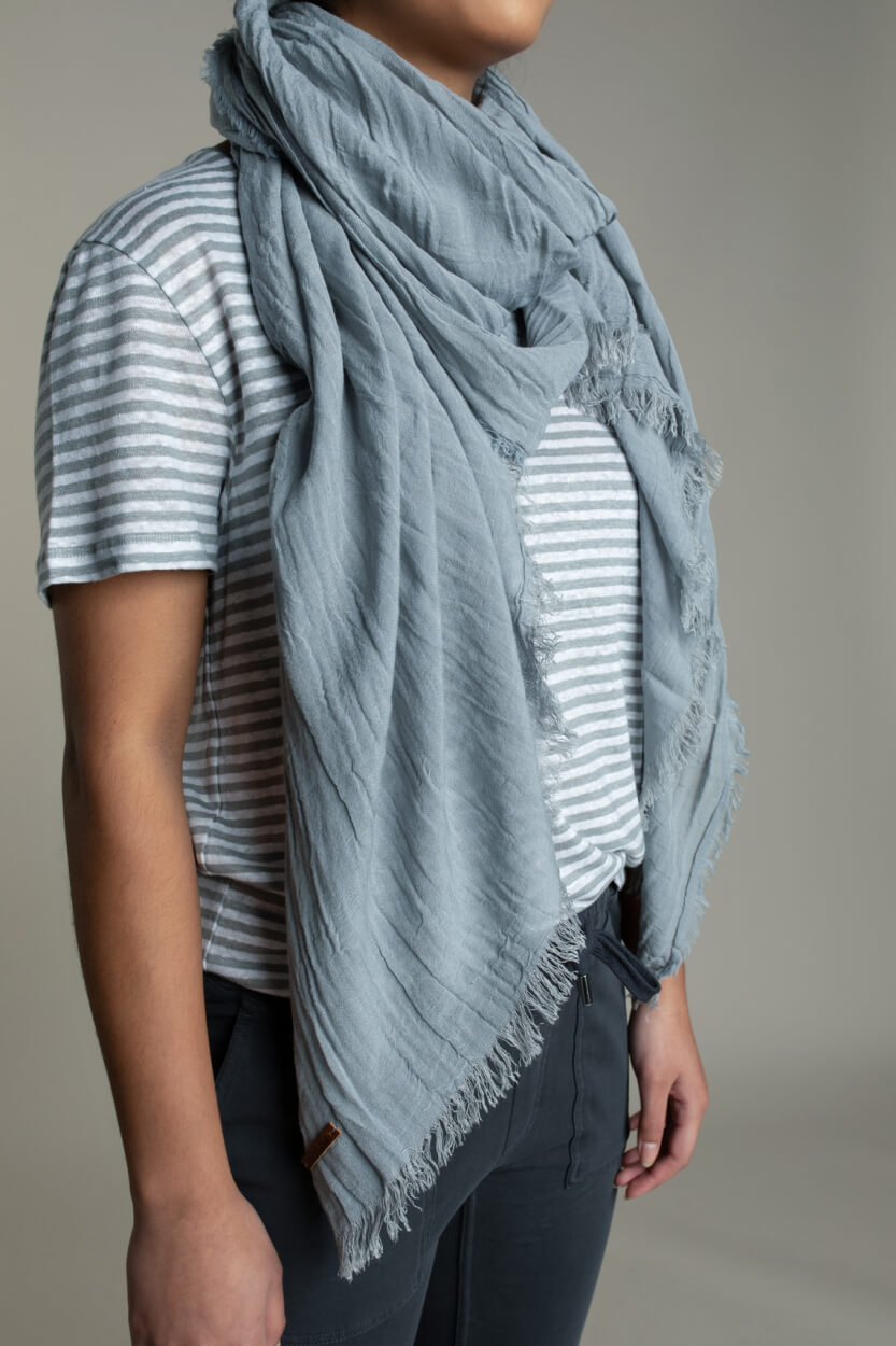 Moscow Dames Fray shawl Grijs