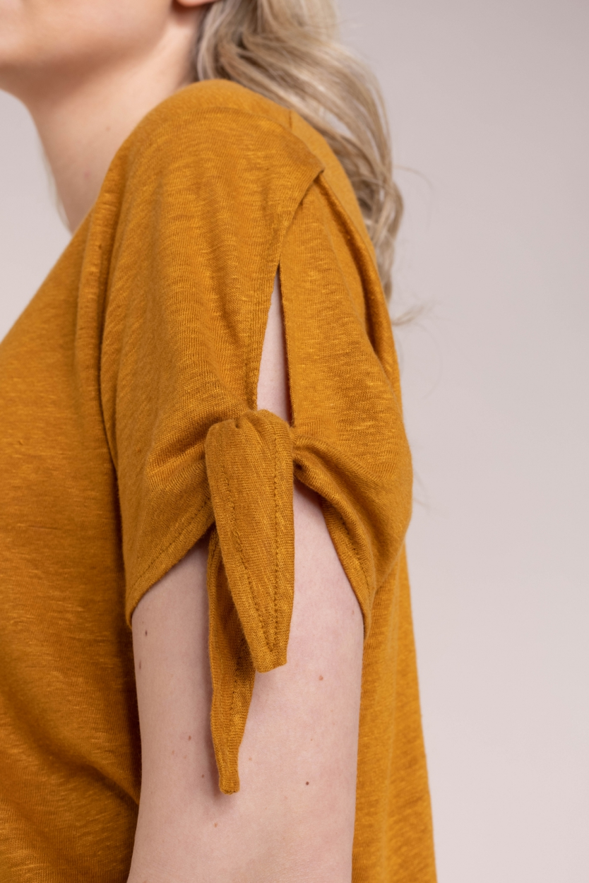 Anna Dames Linnen shirt met knoopdetail Bruin