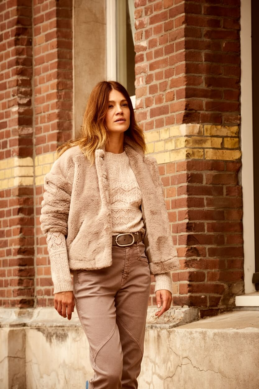 Anna Dames Garment dye jeans Bruin