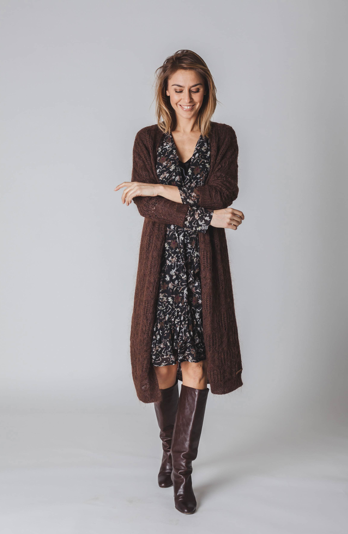 Moscow Dames Knitted cardigan with all-over pattern Bruin