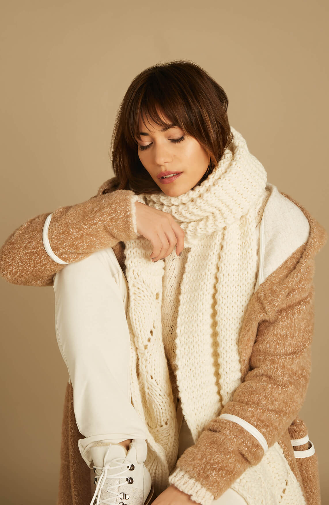 Moscow Dames Kisa shawl Ecru