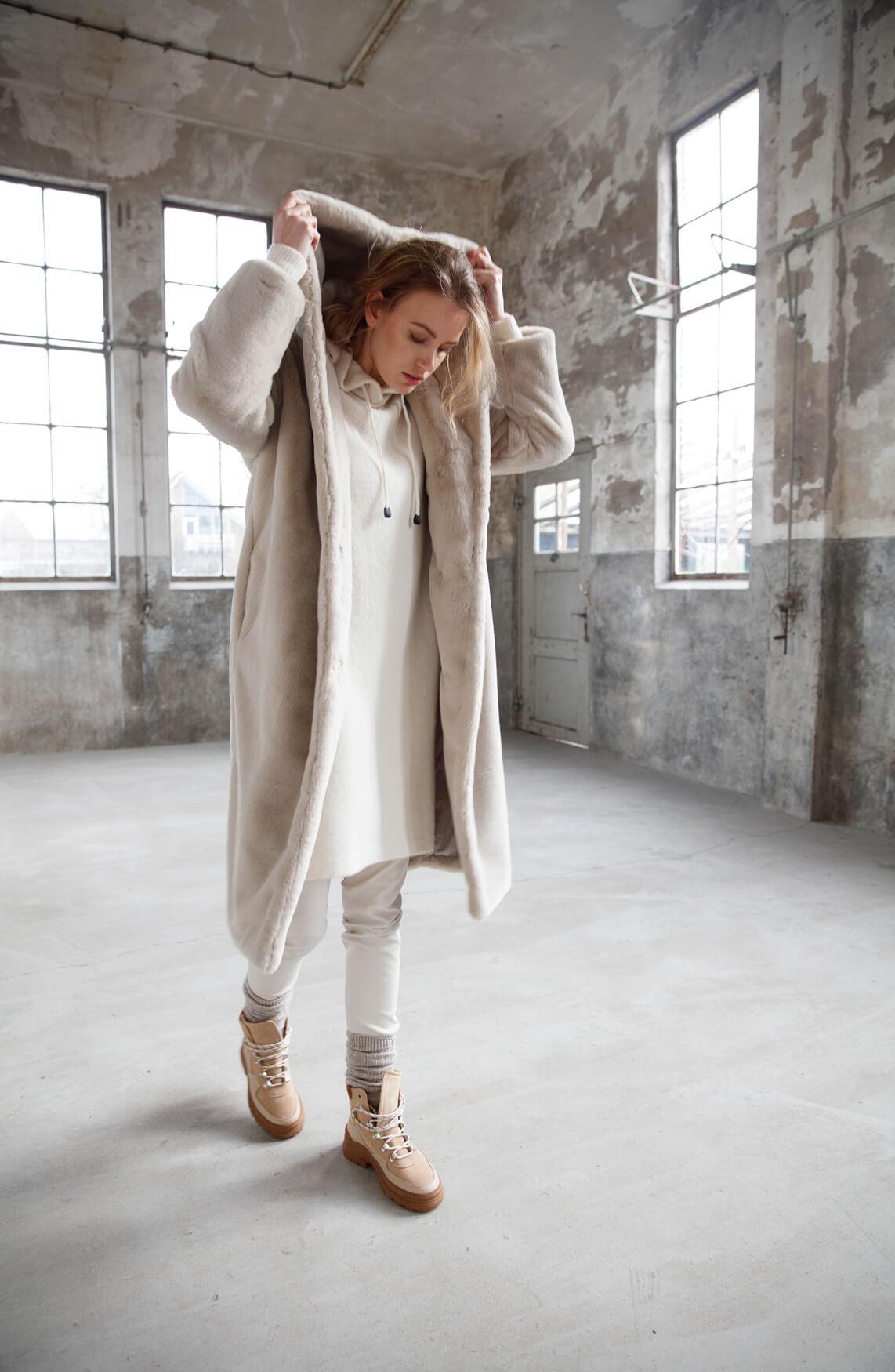 Moscow Dames Nadjana fake fur coat Ecru
