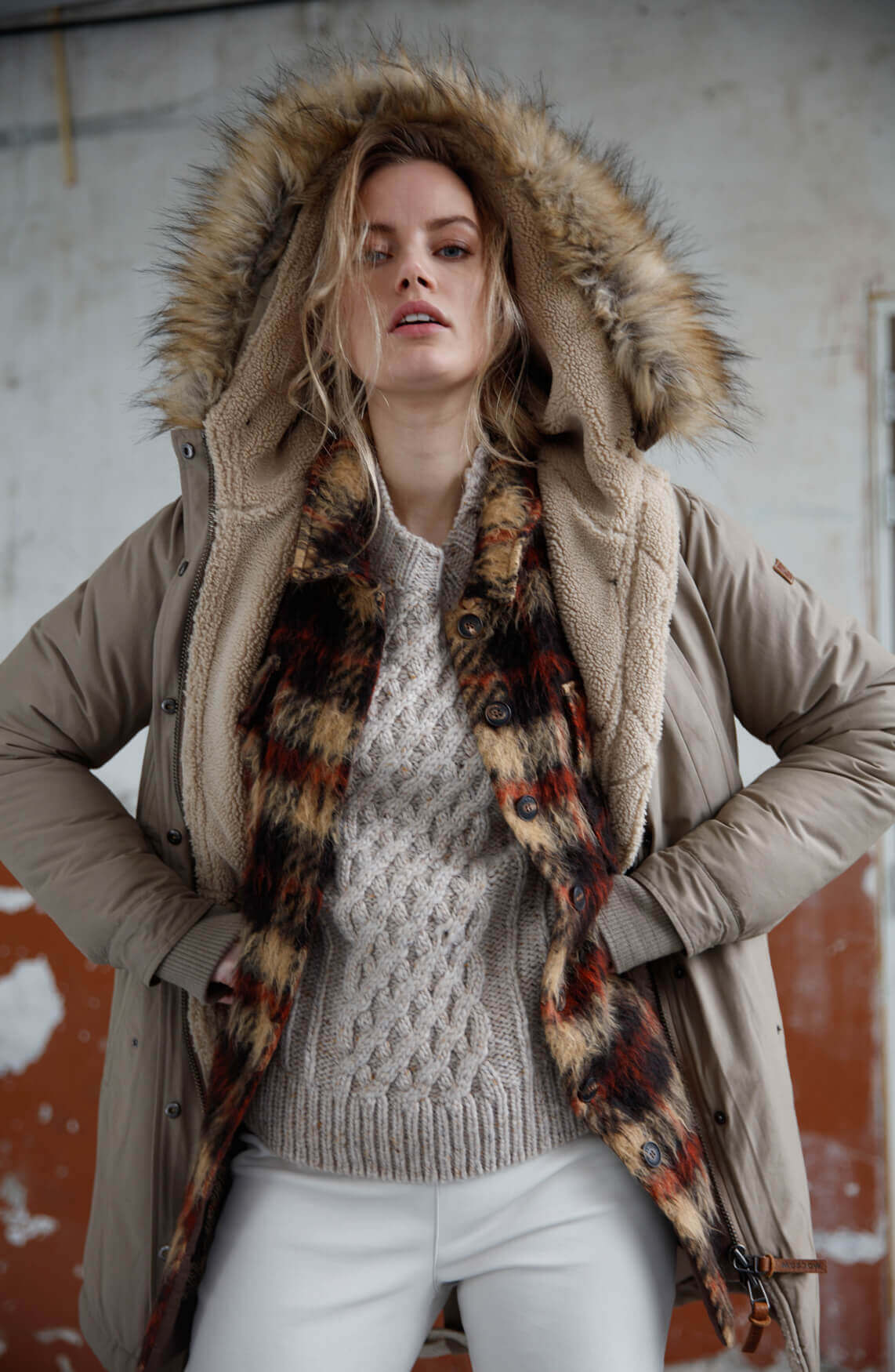 Moscow Dames Livanna cable knit jumper Ecru